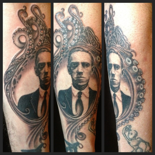 jessicamascitti:  An H.P Lovecraft portrait for a dear friend