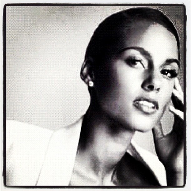 in the words of @therealswizzz black+white = Timeless Beauty!! our girl is on FIRE!!