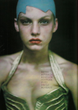 saloandseverine:  VOGUE ITALIA SEPTEMBER 1999 COUTURE SUPPLEMENT, RETRO AVVENIRISTICA COUTURE Angela Lindvall by Paolo Roversi