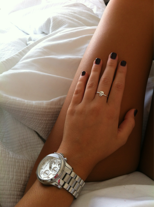 dizz-ee:  gimme her tan, nails, watch, legs and skin omg Can I be you