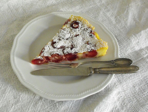 fyeahnomnoms:  clafoutis alle ciliegie by Sifalcia on Flickr.