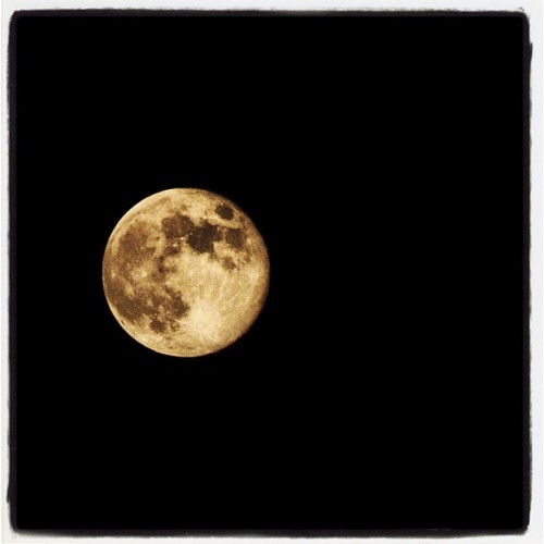 Tonight's full moon #fullmoon #moon #xs #photography #night #palomar #mountain #instagram #nikon #D7000 #camera (Taken with Instagram)
