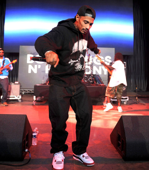 "Layzie Bone also rocked ""Fire Reds."""