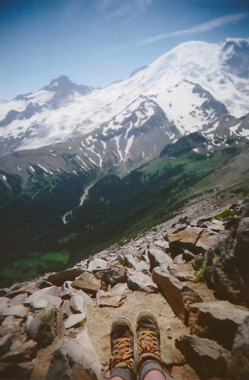 fuckyeahhiking:  burroughs mountain trail, mt. rainier national park, wa warmsummernight
