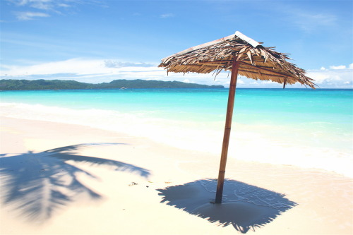 CNNGo:   A new ordinance in the Philippines aims to curb theft of Boracay Island's superb beach sand. But souvenir hunters won't be easily deterred. Photo via Angelo Juan Ramos, Wikimedia Commons