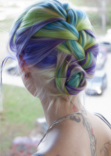 I love colorful hair..like..so much..ugh.