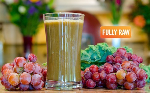 rawlivingfoods:  The Holy Grale Juice Ingredients: 1 Bag Grapes Half to 1 Head of Kale   Directions: Put all ingredients through a juicer and strain the juice. Pour into a glass and enjoy this amazing drink!  MrsCreepshow: I REALLY love (green) grapes and want to try this!