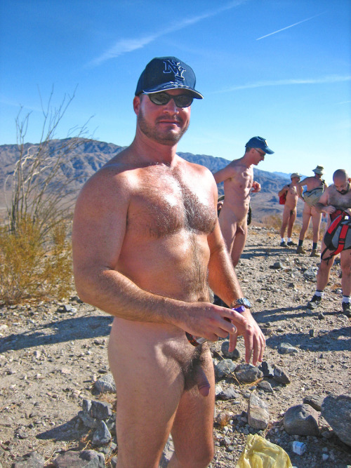 sexynaturalmen:  Want to go naked hiking
