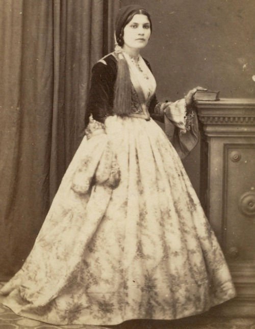 Greek lady (1860s).