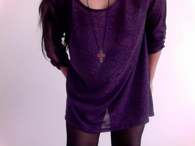 Oversize purple jumper.
