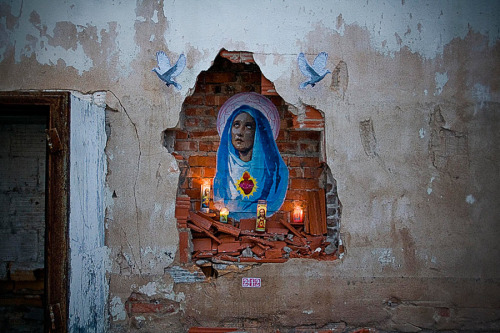 ephremhiphop:  Virgin Mary Street Art