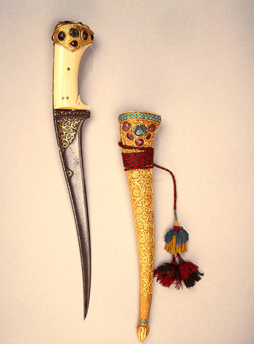 Dagger gold/steel/ivory  & Sheath gold/sapphire/amethyst. The Hermitage Museum, central Asia