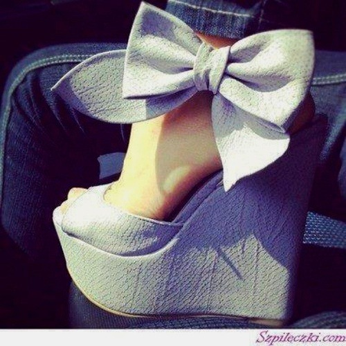 For MORE ahhmazing heels, FOLLOW skyhighness.tumblr.com  Also, Subscribe to my new YOUTUBE channel: http://www.youtube.com/channel/UCgqfAYiFkDuYML16EFoO7SA