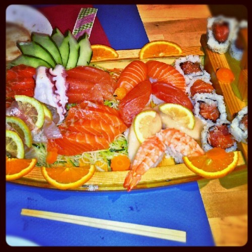 Tooooma sushi rico! September 02, 2012 at 03:08AM http://instagr.am/p/PDc_PLIQ9f/