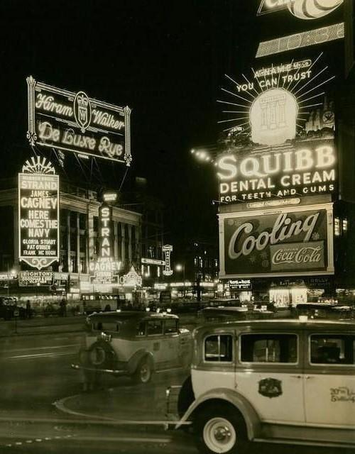 fuckyeahvintage-retro:  New York City, 1936