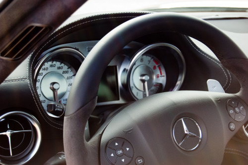 strivingtowardsthedream:  Mercedes SLS AMG. (by kfanciu)