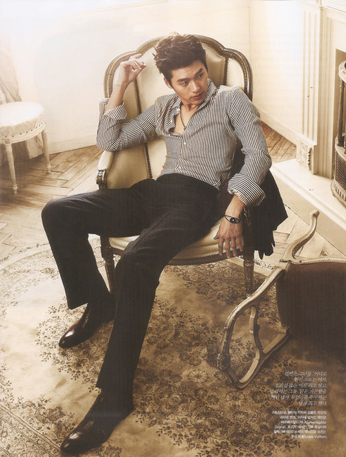 Forum Dorama-World / Hyun Bin on We Heart It. http://weheartit.com/entry/19860428