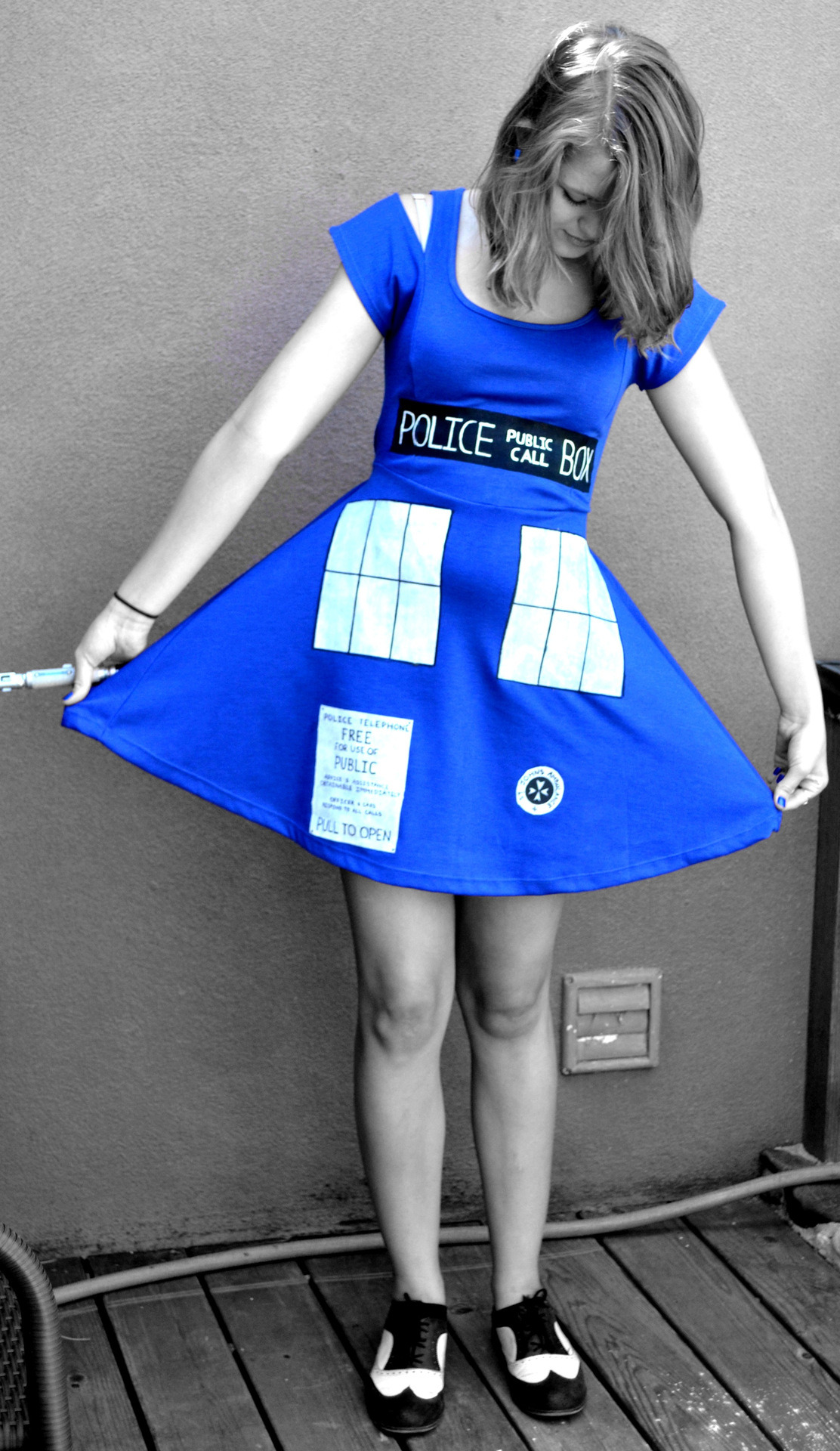 galwhereyoubeensolong:  TARDIS dress in honor of the premiere. $7 Blue cutout dress Hand painted details and freezer paper stencils.