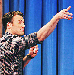 "Celebrities Visit ""Late Night With Jimmy Fallon"" (July 12, 2011)"