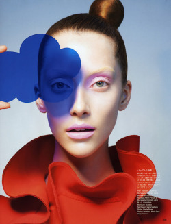 VOGUE JAPAN OCTOBER 2012Vogue BeautyModel: Alana ZimmerPhotographer: Sophie Delaporte  Stylist: Sheila Single (via: esperanzapinatelli)