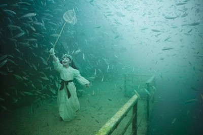 yuria:  Andreas Franke's Underwater Photo Exhibition | Trendland: Fashion Blog & Trend Magazine