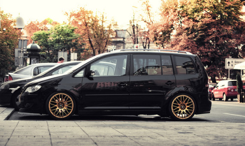 Stanced on Flickr.Via Flickr: Awesome looking Volkswagen Touran.Like me on Facebook
