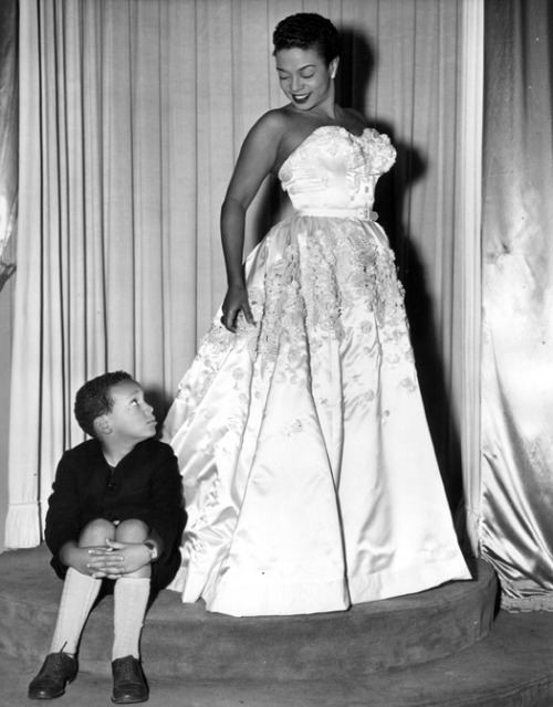 sisterwolf:  Hazel Scott at a Paris boutique with her son Skipper  Hazel Scott at a Paris boutique with her son Skipper, 1952