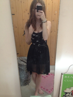 What I wore today Miss selfridge skirt, primary bra top, vintage black belt, black converse
