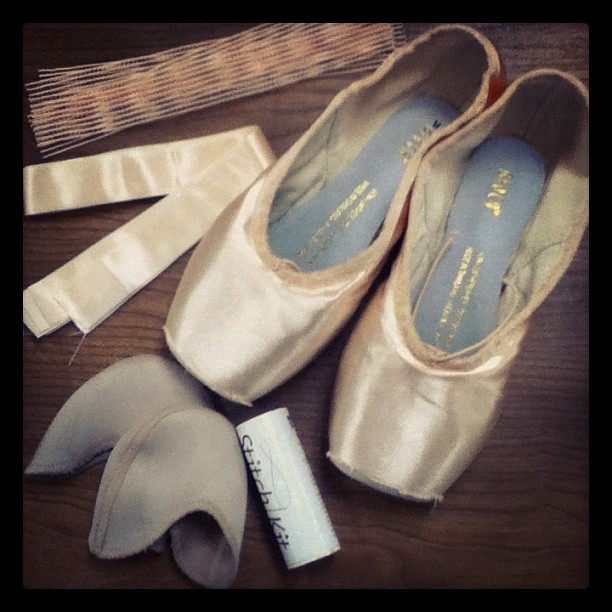 y0utalkwaytoomuch:  sewing my pointe shoes in the laundry room #completelynormal #dancerprobs (Taken with Instagram)