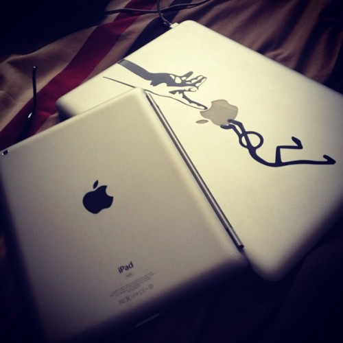 I can see why some people call me a fan boy! #apple #ipad #macbook #pro #mac #ios #geek #tech #gadgets #emkwan  (Taken with Instagram)