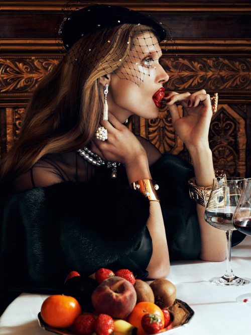 thebeautymodel:  Malgosia Bela by Lachlan Bailey for Vogue Paris August 2012.