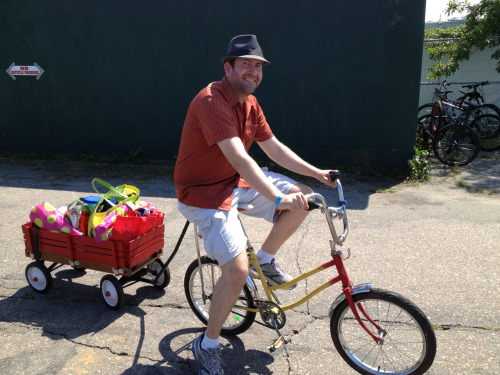 Bike-hauling, with a very non-traditional trailer (and bike) at Rhythm and Roots.