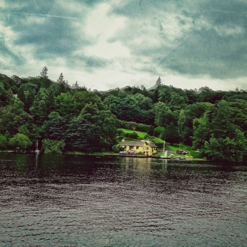 amanforalltheseasons:  #Beautiful #scenery around #lake #windermere (Taken with Instagram at Windermere)