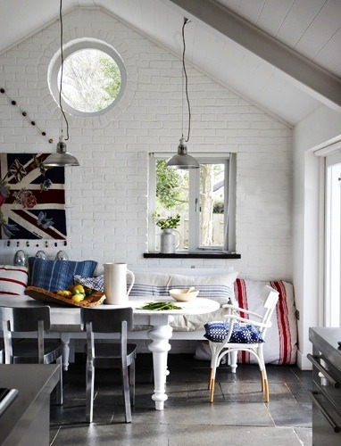 Source: My Scandinavian Home Contemporary country chic. This place looks very cool indeed, like the perfect weekend get away :)