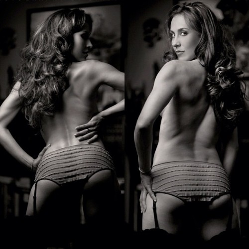 richardmarzphotography:  I think a woman's back can be the sexiest thing on the planet. Wouldn't you agree? The smooth lines, strong muscle texture and beautiful peaks of the spine and ribs. A symphony of perfect design. Love… :) (Taken with Instagram)