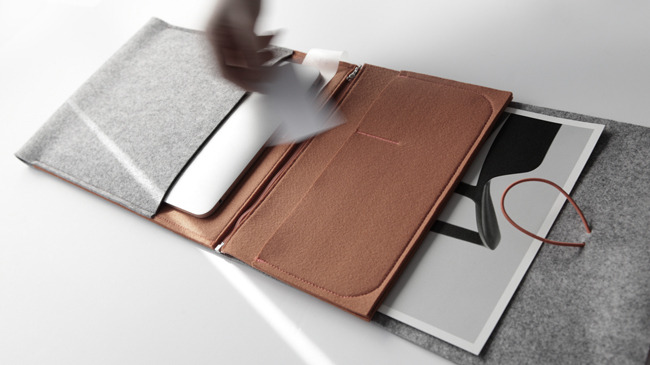 really-shit:  Felt MacBook Air/iPad Case I can't wait to buy this!