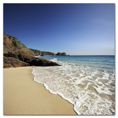 Beach, Cornwall, England. Dip your toes in and wash away those Monday blues… (by s0ulsurfing)