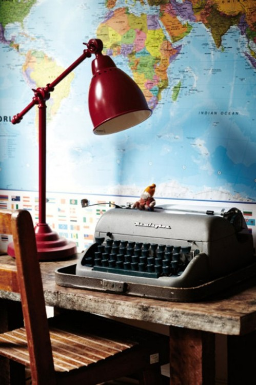 myidealhome:  the perfect vintage desk (via pinterest)