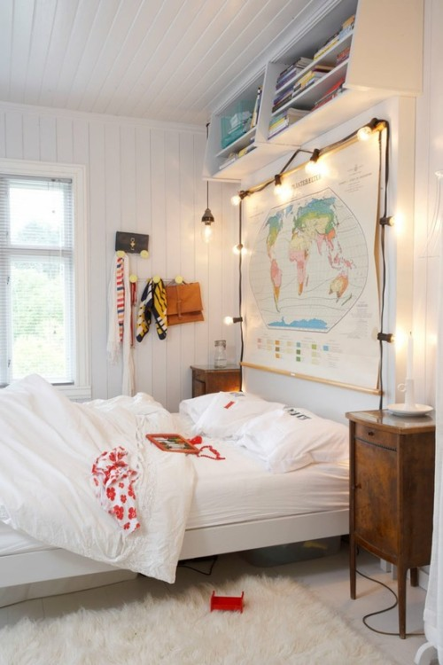 myidealhome:  map and lightbulbs (via pinterest)