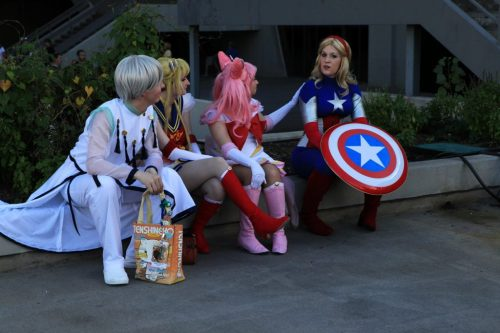 lucidaconsole:  Sailor Moon comforts Lady Cap outside PAX prime 2012.