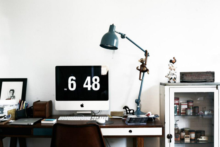 myidealhome:  stylish workspace (via RIAZZOLI.)