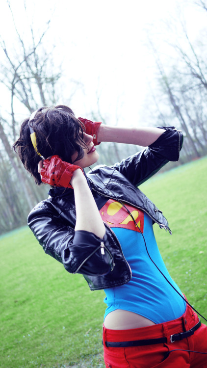 Crossplay of the Day:  schpog-corp: kon-elle by Me
