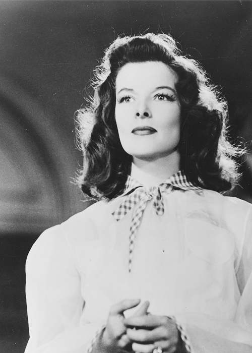 theidleclass:  Katharine Hepburn in 'The Philadelphia Story', 1940.