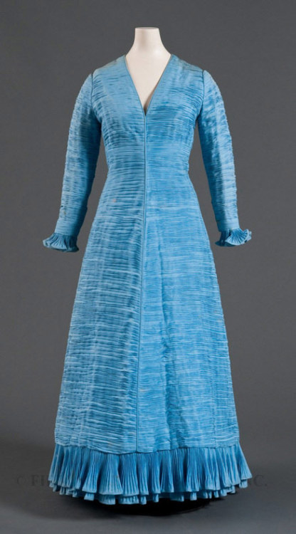 Dress Sibyl Connely, 1971 The FIDM Museum