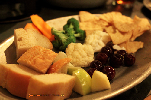 we had soup/salad and then these appetizers to dip in the cheese fondue :) this was taken about halfway through us eating it so there was a lot more!