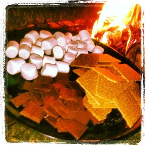 jaquezandy:  #Smores #Bonfire @hakuna24matata (Taken with Instagram at Michies)