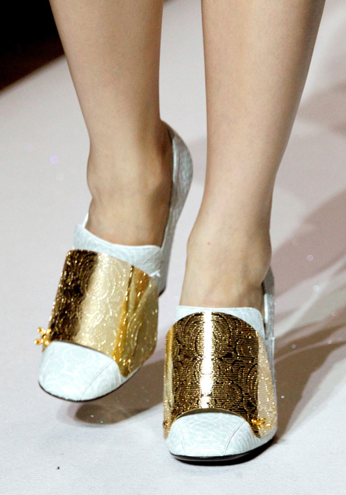 lavendress:  details of YSL rtw spring/summer 2012