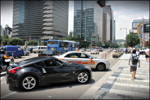 Nissan 370Z spotted somewhere in downtown Seoul, South Korea (photo credit: v15ben)