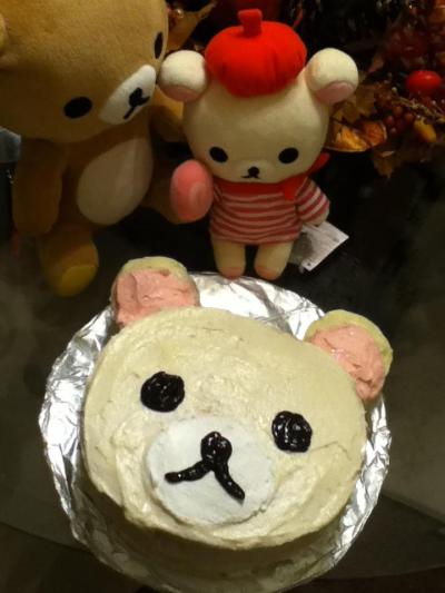 Happy birthday to me! \(^o^)/ I decorated my own cake.