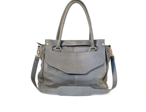 Shana Luther Handbags give away this week! See below to enter.  Happy labor day everyone!  friedasophiejewelry:  FRIEDASOPHIE: GIVEAWAY: #ShanaLuther Designer Handbag -ENDS 9/10, ENTER HERE: http://friedasophie.blogspot.com/2012/09/shana-luther-designer-handbag-giveaway.html